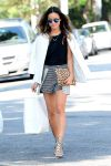 Celebrities Wonder 86443326_jamie-chung-street-style_1.jpg