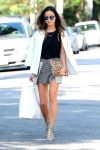 Celebrities Wonder 89587200_jamie-chung-street-style_2.jpg