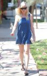Celebrities Wonder 95450347_kirsten-dunst-denim-dress_1.jpg