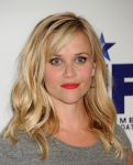Celebrities Wonder 11450856_Stand-Up-To-Cancer_Reese Witherspoon 2.jpg