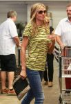 Celebrities Wonder 20494693_heidi-klum-Shopping-at-Whole-Foods_5.jpg