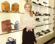 Celebrities Wonder 38967493_nicole-kidman-tods_3.jpg
