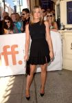 Celebrities Wonder 48639768_cake-toronto-film-festival_Jennifer Aniston 1.jpg