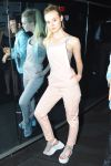 Celebrities Wonder 59640671_elle-fanning-opening-ceremony_2.jpg