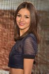 Celebrities Wonder 63716714_victoria-justice-dkny-front-row_3.jpg