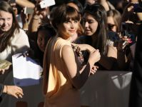 Celebrities Wonder 80684540_felicity-jones-The-Theory-Of-Everything-Toronto_3.jpg