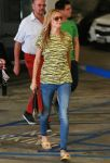 Celebrities Wonder 81634305_heidi-klum-Shopping-at-Whole-Foods_3.jpg
