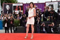 Celebrities Wonder 8688018_milla-jovovich-Cymbeline-71st-venice-Film-Festival_4.jpg
