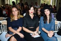 Celebrities Wonder 19569867_saint-laurent-front-row-daisy-lowe_6.jpg