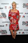 Celebrities Wonder 24021389_2014-Global-Citizen-Festival_Dianna Agron 1.jpg