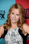 Celebrities Wonder 27382271_American-Horror-Story-Freak-Show-premiere_Lea Thompson 2.jpg