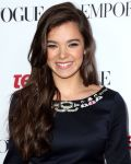 Celebrities Wonder 35534664_12th-Annual-Teen-Vogue-Young-Hollywood-Party_Hailee_Steinfeld_2.jpg