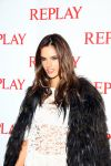 Celebrities Wonder 39373684_alessandra-ambrosio-replay_4.JPG