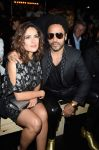 Celebrities Wonder 66943112_saint-laurent-front-row-salma-hayek_2.jpg