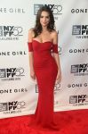 Celebrities Wonder 90165826_gone-girl-ny-premiere_Emily Ratajkowski 0.jpg