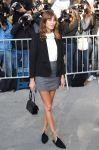 Celebrities Wonder 97173427_alexa-chung-chanel-fashion-show_2.jpg