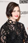 Celebrities Wonder 14542225_28th-American-Cinematheque-Award_Anne Hathaway 2.jpg