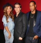 Celebrities Wonder 75745290_beyonce-Nightcrawler-Premiere_2.JPG