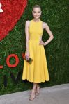 Celebrities Wonder 78321572_golden-heart-awards_Jaime King 1.jpg