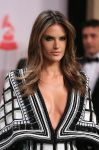 Celebrities Wonder 11777289_latin-grammy-awards-alessandra-ambrosio_4.jpg