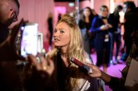 Celebrities Wonder 13520933_2014-Victorias-Secret-Fashion-Show-Hair-And-Makeup_Candice Swanepoel 2.jpg
