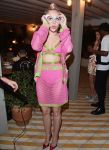 Celebrities Wonder 15847072_miley-cyrus-Jeremy-Scott-and-Moschino-party_1.jpg