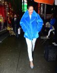 Celebrities Wonder 161879_rihanna-shopping_4.jpg