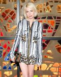 Celebrities Wonder 21269875_Louis-Vuitton-Dinner-Playing-With-Shapes_Michelle Williams 4.jpg