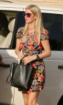 Celebrities Wonder 29197068_nicky-hilton-shopping_5.jpg