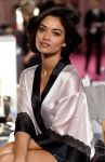 Celebrities Wonder 30053380_2014-Victorias-Secret-Fashion-Show-Hair-And-Makeup_Shanina Shaik 2.jpg