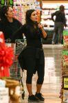 Celebrities Wonder 34906674_kim-kardashian-Shopping-at-Ralphs_2.jpg