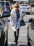 Celebrities Wonder 35973128_emma-roberts-gas-station_2.jpg