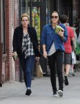 Celebrities Wonder 36560412_kristen-stewart-lunch_3.jpg