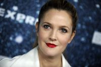 Celebrities Wonder 36653568_2014-Womens-Leadership-Award_Drew Barrymore 3.jpg