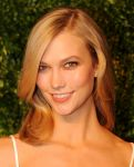 Celebrities Wonder 37692547_CFDA-Vogue-Fashion-Fund-Awards_Karlie Kloss 2.jpg