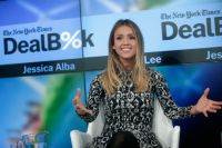 Celebrities Wonder 44999043_jessica-alba-The-New-York-Times-DealBook-Conference_2.jpg
