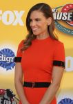 Celebrities Wonder 48810377_FOXs-Cause-For-Paws_Hilary Swank 2.jpg