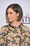 Celebrities Wonder 49695919_annie-world-premiere_Rose Byrne 4.jpg