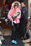 Celebrities Wonder 51198665_paris-hilton-aspen_2.jpg
