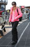 Celebrities Wonder 51756632_paris-hilton-aspen_1.jpg