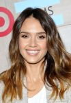 Celebrities Wonder 5756169_TOMS-For-Target-Launch-Event_Jessica Alba 4.jpg