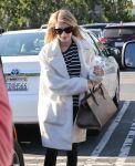 Celebrities Wonder 59187038_emma-roberts-gas-station_5.jpg