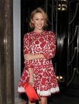 Celebrities Wonder 59955500_kylie-minogue-Dolce-Gabbana-Christmas-Tree-party_3.jpg