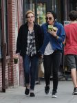 Celebrities Wonder 62458366_kristen-stewart-lunch_1.jpg