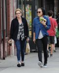 Celebrities Wonder 69261512_kristen-stewart-lunch_2.jpg