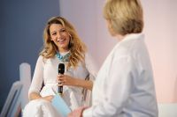 Celebrities Wonder 70737864_pregnant-blake-lively-2014-American-Made-Summit-In-Conversation_4.jpg