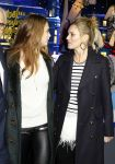 Celebrities Wonder 72178603_Cara-Delevingne-and-Kate-Moss-Printemps_3.jpg