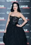 Celebrities Wonder 8188782_glamour-awards-milan_Dita Von Teese 4.jpg