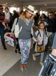Celebrities Wonder 86340975_jessica-alba-lax-airport_4.JPG