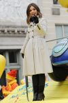 Celebrities Wonder 8767288_lucy-hale-Macys-Thanksgiving-Day-Parade_3.jpg